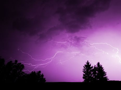 """У зв'язку з погіршенням погодних умов 16 травня в низці областей прогнозують перший, """"жовтий"""" рівень небезпеки"""