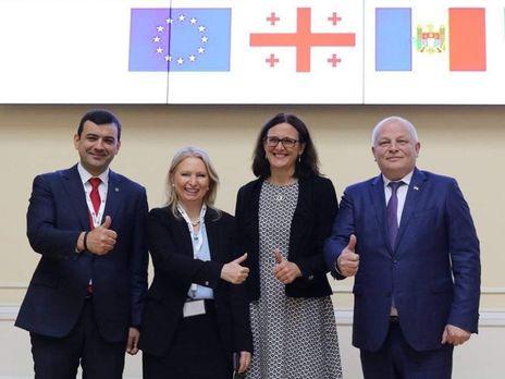 Кубив (крайний справа): Сегодняшнее мероприятие предполагает двусторонние и многосторонние обсуждения Соглашения об ассоциации для координации совместных усилий в направлении евроинтеграции Украины, Грузии и Молдовы