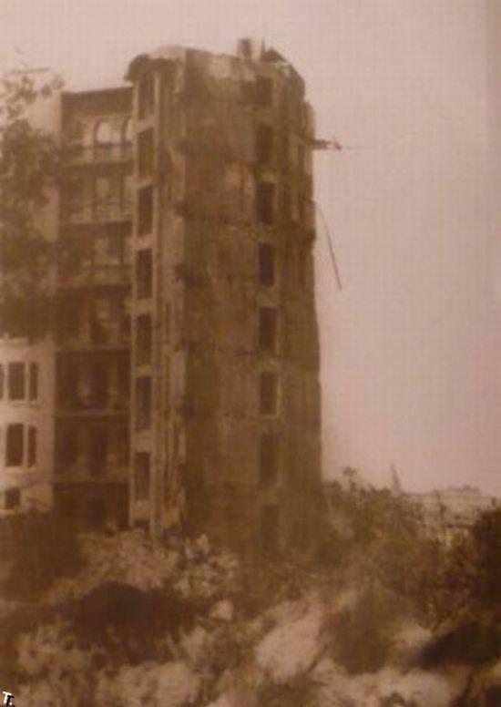 Взорванный Дом Гинзбурга в Киеве. 1941 год.