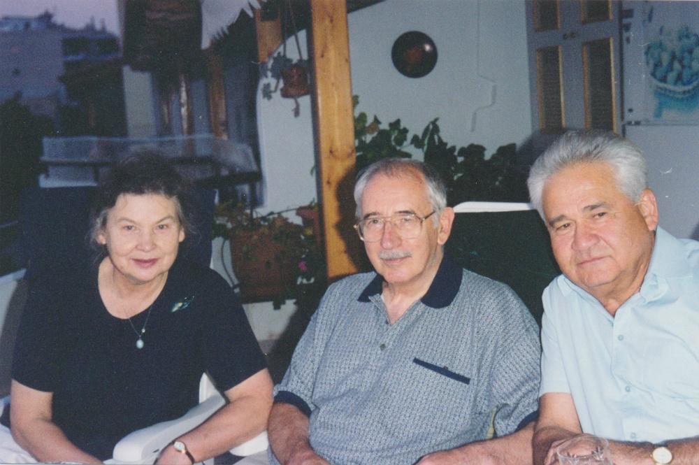 С двоюродным братом Валентином Турчиным и его женой Татьяной.