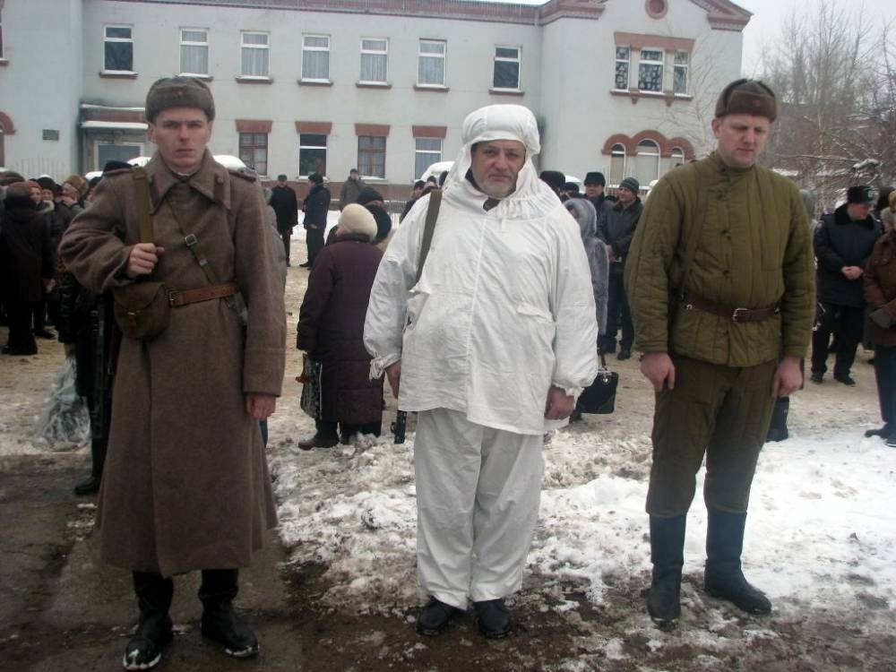 Алексей Карякин (крайний справа) на во. Фото: rubezh.at.ua