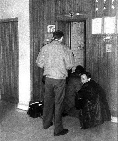 На месте убийства Вадима Гетьмана работают криминалисты. Фото: segodnya.ua