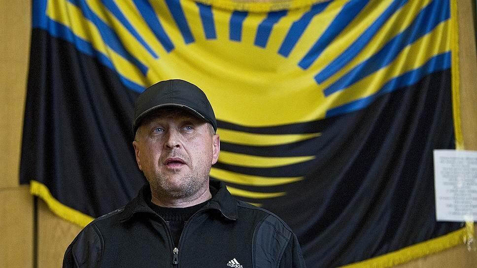 Вячеслав Пономарев не снимал бейсболку даже на пресс-конференциях. Фото: Arkadiusz Zulker / Twitter