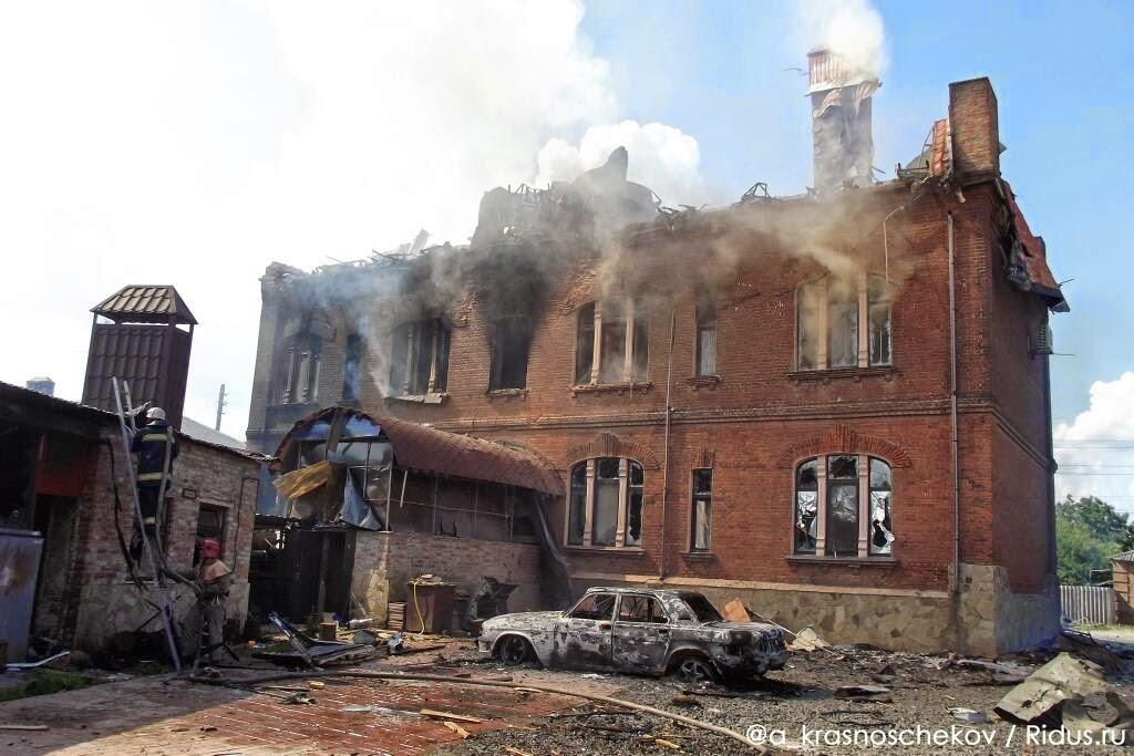 Этот дом по улице Короленко в Славянске, Стрелков покину за пару минут перед обстрелом