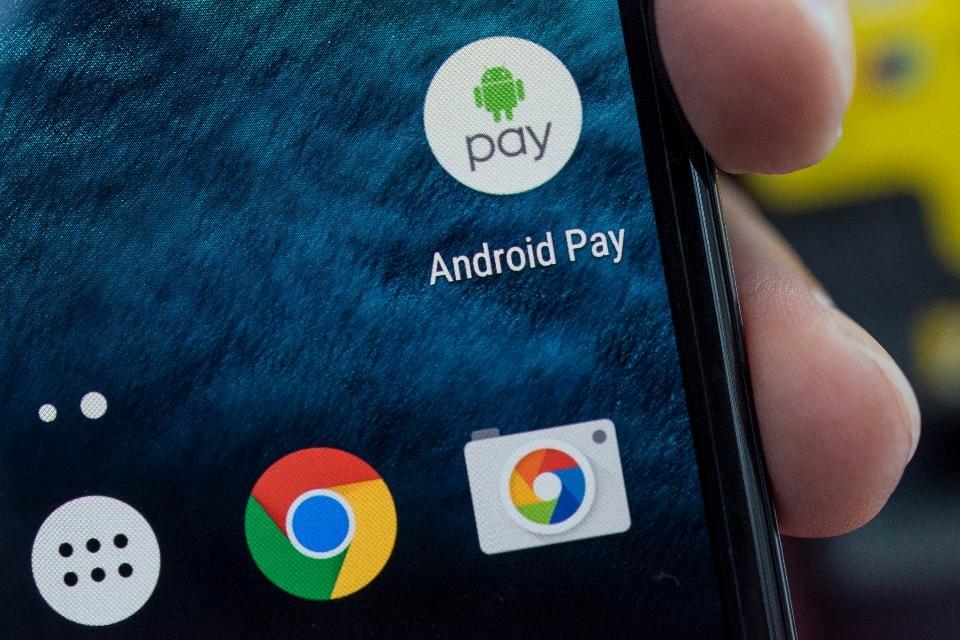 На некоторых устройствах приложение Android Pay установилось самостоятельно. Фото: fan-android.com