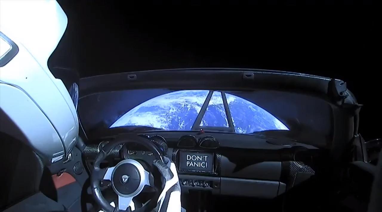 Starman на Tesla Roadster полетел в направлении пояса астероидов между Марсом и Юпитером. Скриншот: SpaceX / YouTube