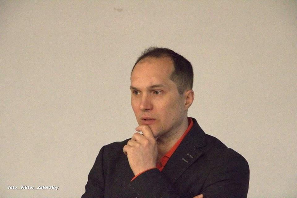 Peter Lions несколько раз конфликтовал в комментариях с Юрием Бутусовым. Фото: Виктор Залевский / Facebook