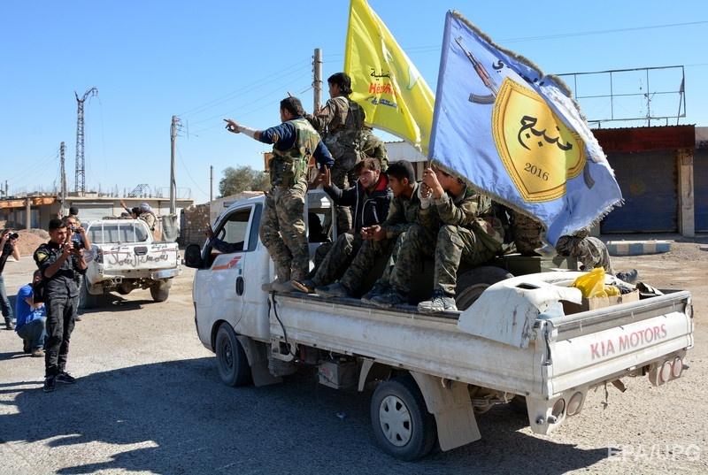 "Участники ""Сирийских демократических сил"" во время освобождения Эр-Ракии. Фото: ЕРА"