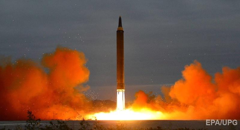 Запуск северокорейской баллистической ракеты малой дальности в августе 2017 года. Фото: EPA