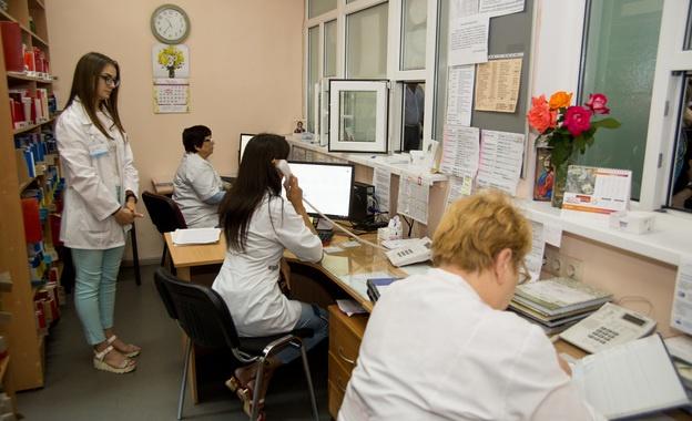 Декларации и вся информация о пациентах будут внесены в электронную систему. Фото: moz.gov.ua
