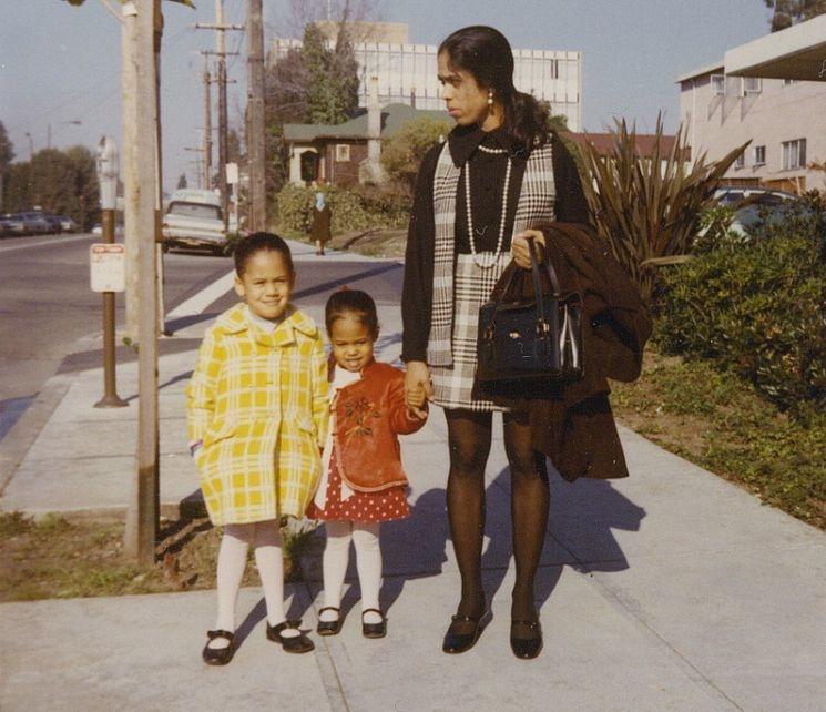 Шамала Гопалан с дочерьми. Фото: Kamala Harris / Facebook