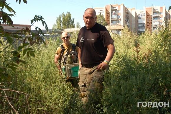 """Бойцы батальона Киев-1 нашли в подвале недостроенного дома """"ПТУРС"""" (противотанковая управляемая ракета-снаряд)"""