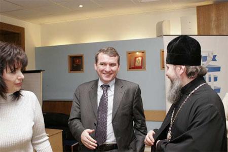 Фото: synod.com