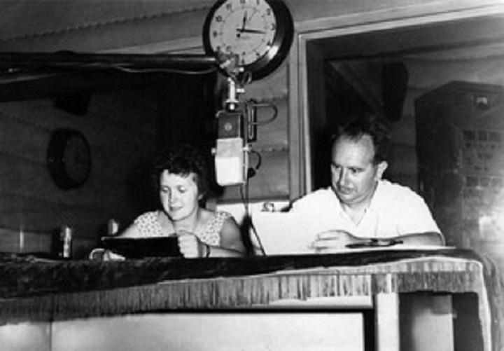 Софья и Глеб Рар на китайской радиостанции «Свободная Россия». Тайбэй, 1959 год. Фото: rp-net.ru