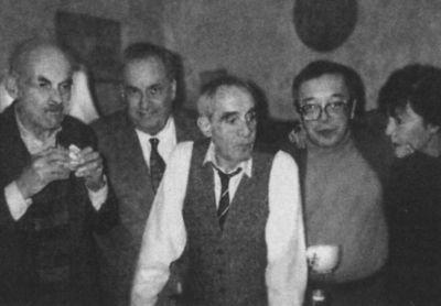 Слева направо: Булат Окуджава, Эльдар Рязанов, Зиновий Гердт, Юлий Ким, Белла Ахмадулина Фото: coollib.com