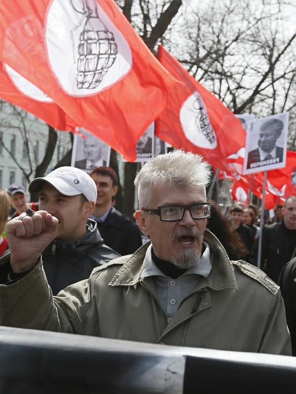 Национал-большевик Эдуард Лимонов еще десять лет назад описал сценарий войны на Донбассе. Фото: Юрий Кочетков / ЕРА