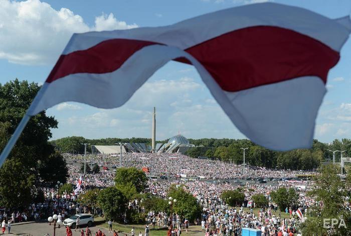 В Минске сотни тысяч человек вышли на оппозиционный митинг. Фоторепортаж / ГОРДОН