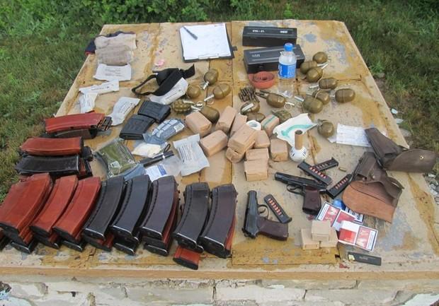 Террористы похитили на донецкой шахте 720 кг взрывчатки, 360 детонаторов и километр взрывного провода - Цензор.НЕТ 5140