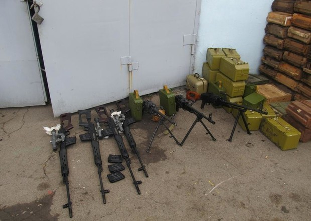 Террористы похитили на донецкой шахте 720 кг взрывчатки, 360 детонаторов и километр взрывного провода - Цензор.НЕТ 4872